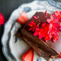 Calling All Chocoholics: The Most Decadent & Gooey Cake Ever!!